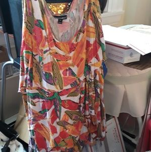 Plus size Multi colored top sleeveless